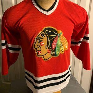 Vintage CCM Chicago Blackhawks Y/XL Boys Jersey